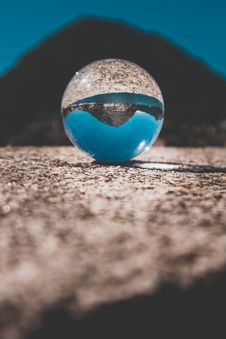 Free Shallow Focus Photography Of Clear Glass Ball Royalty Free Stock Photography - 126177137