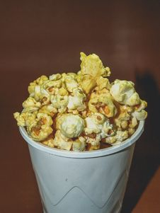 Free Popcorn On Disposable Cup Stock Images - 126177644