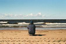 Free Person In Sand Looking Over Ocean Waves Royalty Free Stock Image - 126178146