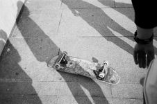 Free Grayscale Photo Of Up-side-down Skateboard Stock Photos - 126178573