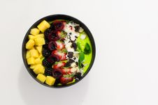 Free Bowl Of Sliced Fruits Stock Photo - 126179010