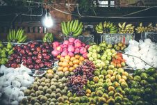 Free Assorted Fruit Stand Royalty Free Stock Photography - 126179977