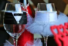 Free Two Clear Bridge And Groom Wine Glasses Royalty Free Stock Image - 126180056