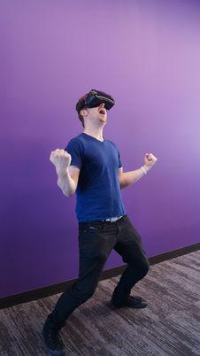 Free Photo Of Man Using Virtual Reality Headset Royalty Free Stock Image - 126181146