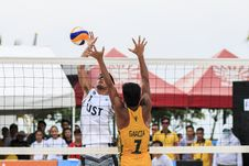 Free Two Men Playing Volleyball Near Red Canopy Royalty Free Stock Photography - 126181277
