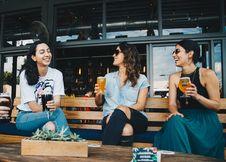 Free Three Women Sitting On Bench Royalty Free Stock Photos - 126181638