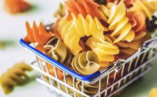 Free Pastry On Gray Metal Basket Royalty Free Stock Photo - 126182605