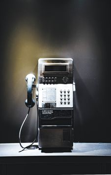 Free Black And Gray Payphone Royalty Free Stock Photography - 126182677