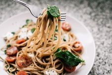 Free Selective Focus Photography Of Pasta With Tomato And Basil Stock Photos - 126183843