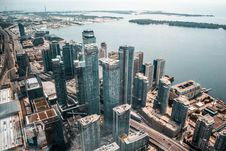 Free Aerial Photo Of Buildings Near Body Of Water Stock Image - 126184341