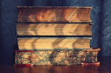 Free Four Pile Of Books On Top Of Brown Wooden Surface Royalty Free Stock Photos - 126184378