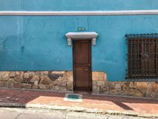 Free Brown Wooden Shut Door Beside Empty Sidewalk Stock Photos - 126184803