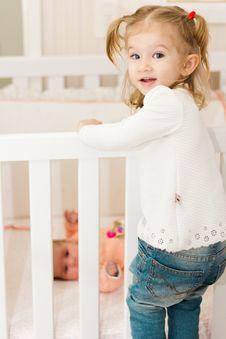 Free Girl Climbing On Crib Royalty Free Stock Image - 126184956