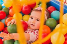 Free Toddler Girl S In Pool Ball Royalty Free Stock Photo - 126185145