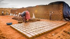 Free Soil, Bricklayer, Flooring Stock Images - 126185844