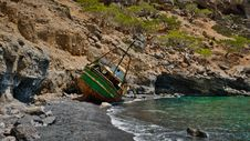 Free Wreck Fishing Boat At The Seashore Stock Images - 126186414