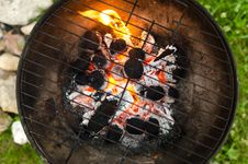 Free Close-up Photo Of Black Metal Charcoal Grill Stock Image - 126186871