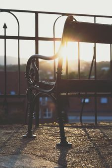 Free Shallow Focus Photography Of Iron Bench Royalty Free Stock Photo - 126188035