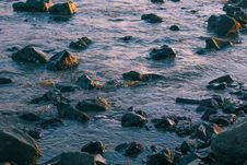 Free Rocky Body Of Water Stock Images - 126189254
