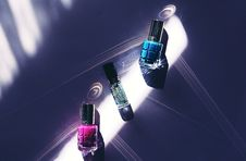 Free Three Assorted-color Nail Polish Bottles On Surface Stock Photography - 126189352