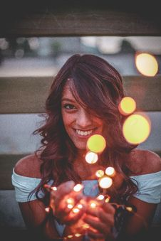 Free Woman Holding String Light Stock Photography - 126190622