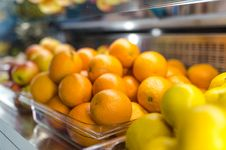 Free Tray Of Orange Fruits Royalty Free Stock Image - 126190816