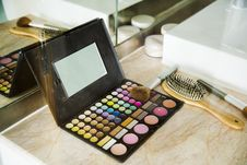 Free Makeup Palette Case With Brush Stock Image - 126190961