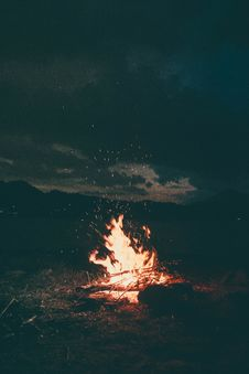 Free Bonfire, Burning, Camp Royalty Free Stock Photos - 126191918