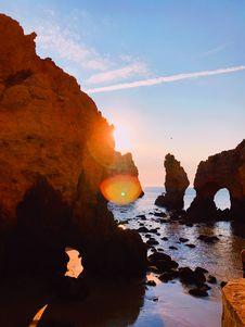 Free Rock Formation Near The Ocean Photography Stock Photos - 126193033