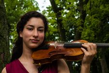 Free Woman Playing Violin Royalty Free Stock Images - 126193479