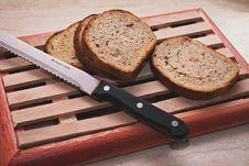 Free Slices Of Bread Beside Knife Royalty Free Stock Images - 126193489