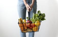 Free Woman Carrying Basket Of Fruits And Vegetables Royalty Free Stock Photos - 126193758