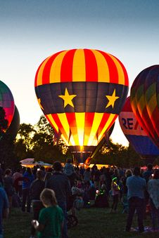Free Group Of Person In Hot Air Balloon Event Royalty Free Stock Image - 126193926