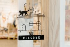 Free Black Steel Welcome Hanging Signage Royalty Free Stock Images - 126194879