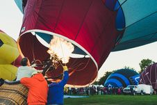 Free Three People Inside The Hot Air Balloon Stock Images - 126194984