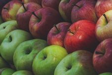 Free Red And Green Apples Stock Image - 126195151