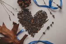 Free Withered Lavender Flowers Shaped In Heart Decor Stock Photography - 126195162
