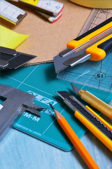 Free Close-up Photography Pencil And Cutters On Table Royalty Free Stock Images - 126195599