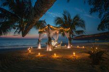 Free White Canopy Tent Near Coastline Royalty Free Stock Photos - 126196098