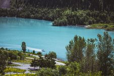 Free Birds Eye View Of Blue Lake Center Of Mountains Royalty Free Stock Images - 126245569
