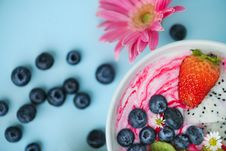Free Photo Of White Bowl Filled With Berries Royalty Free Stock Image - 126245826