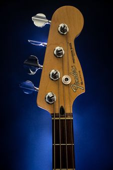 Free Close-Up Photography Of Brown Fender Guitar Headstock Royalty Free Stock Images - 126245849