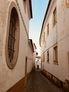 Free Empty Alley During Day Royalty Free Stock Images - 126246149