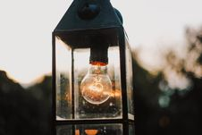 Free Selective Focus Photography Of Turned-on Bulb Royalty Free Stock Images - 126246349