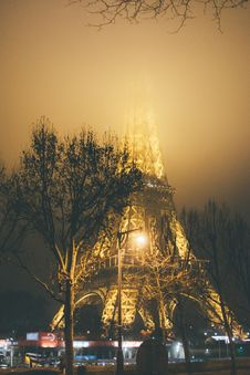 Free Photo Of Eiffel Tower During Foggy Night Stock Photos - 126404413