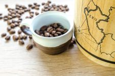 Free Round White And Brown Mug With Coffee Beans Stock Images - 126404894