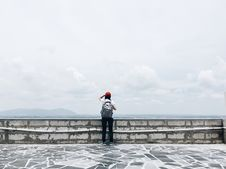 Free Man Standing Near Grey Wall Stock Photo - 126404950