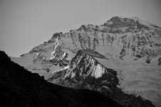 Free Snowy Mountain Peak Royalty Free Stock Photography - 126652317