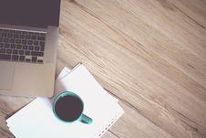 Free Gray Laptop Computer Beside Green Ceramic Mug Royalty Free Stock Image - 126652456