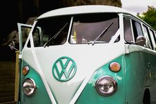Free Green And White Volkswagen T1 Royalty Free Stock Photos - 126727738